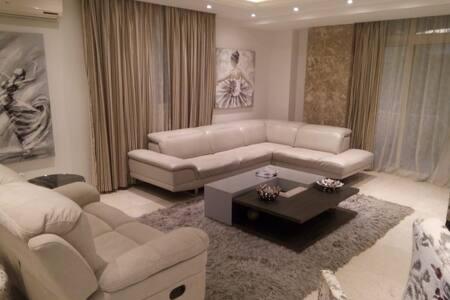 3 master bedroom apartment in Maadi El Sarayat