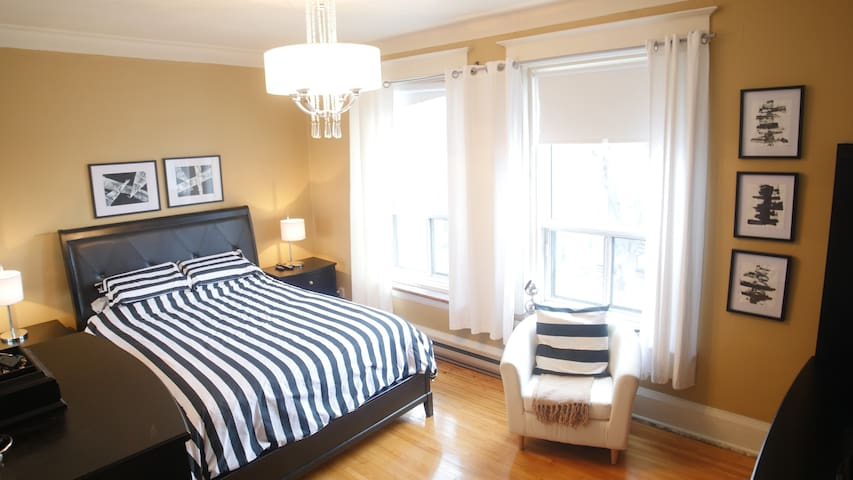 Your own apt with 3 bedroom in Mtl - Montréal - Lakás