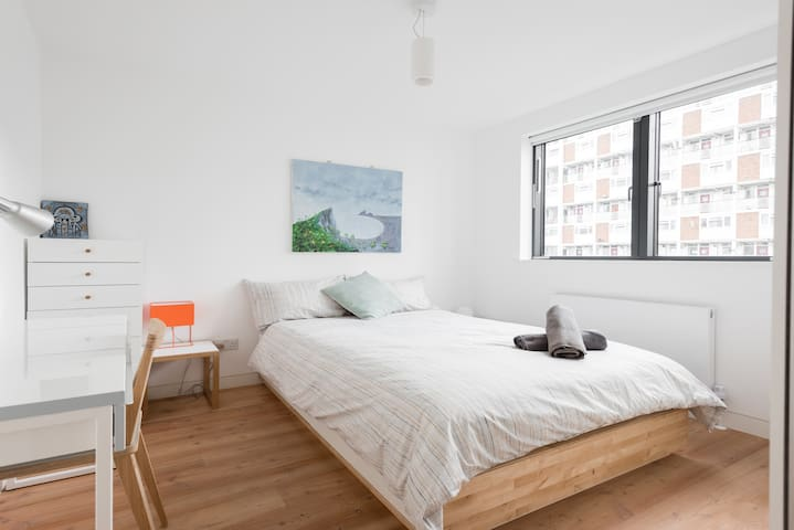 Double Bedroom in modern House in Vauxhall - Londra - Casa