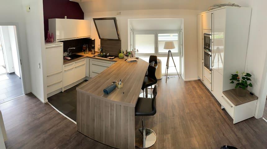 115qm top moderne Maisonette-Wohnung