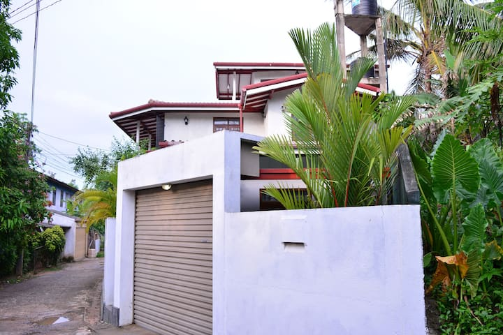 A2 Villa Ahangama