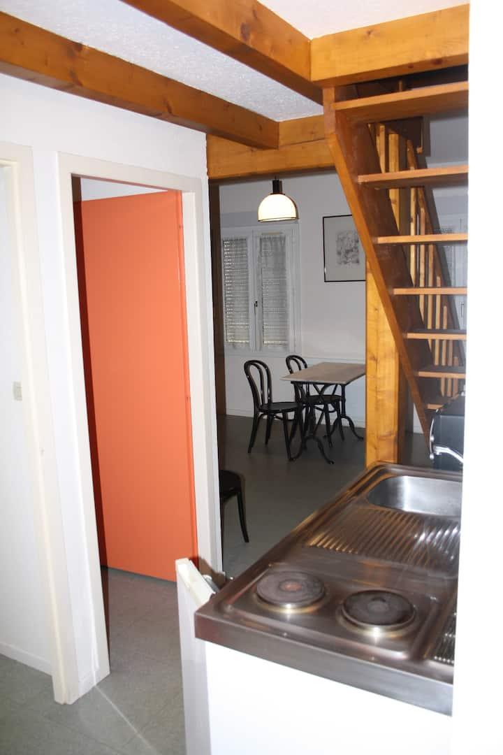 Grand studio + mezzanine à 2 pas des thermes (5)