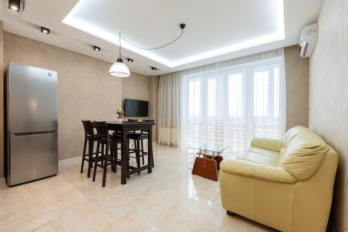 DeLux Apartment on Belorusskay Street (Lukyanovka)