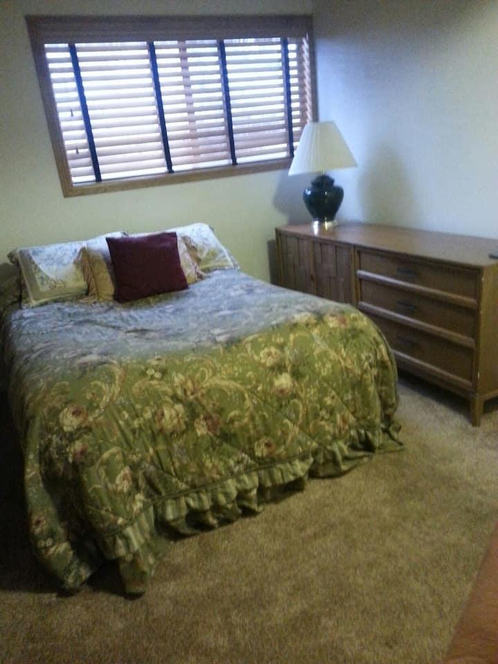 Cozy bedroom in nice 3 bed home