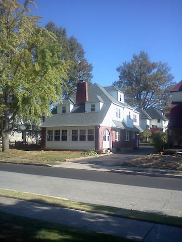 Drexel Hill Colonial
