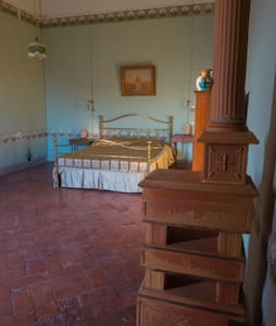 Romantic suite in history palace - Montopoli - Penzion (B&B)