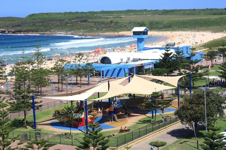 2 bedroom sun filled apartment on Maroubra Beach - Maroubra