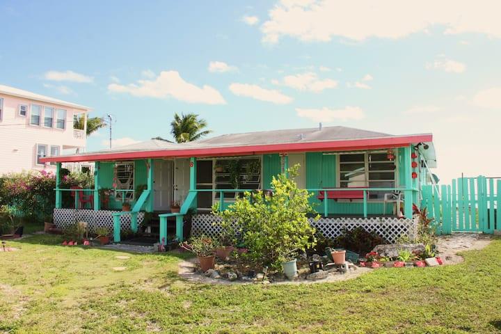 Bea's Beach Cottage, Casuarina Pt