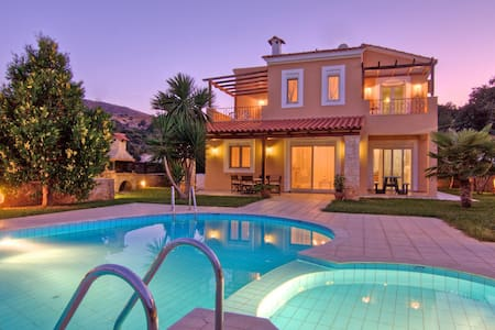 3-bedroom Flower Villa with private pool - Villa