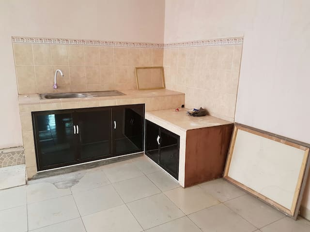 Rent per year for a family - bandar lampung - Huis