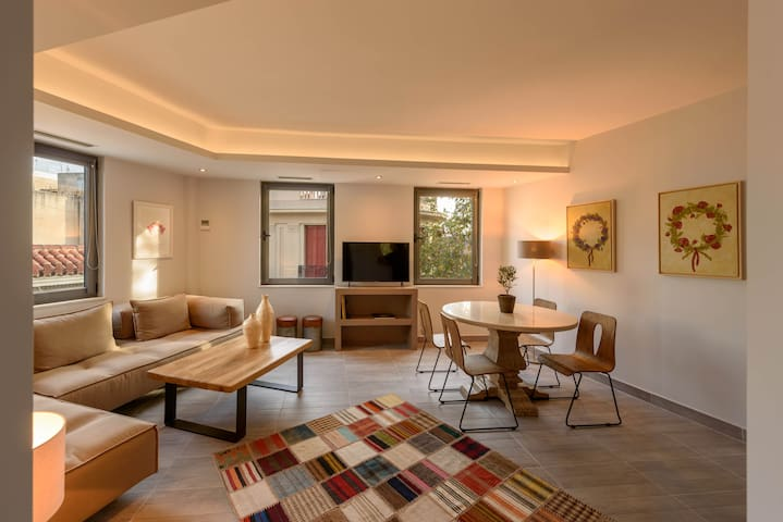 FOS RESIDENTIAL-GRAND APARTMENT