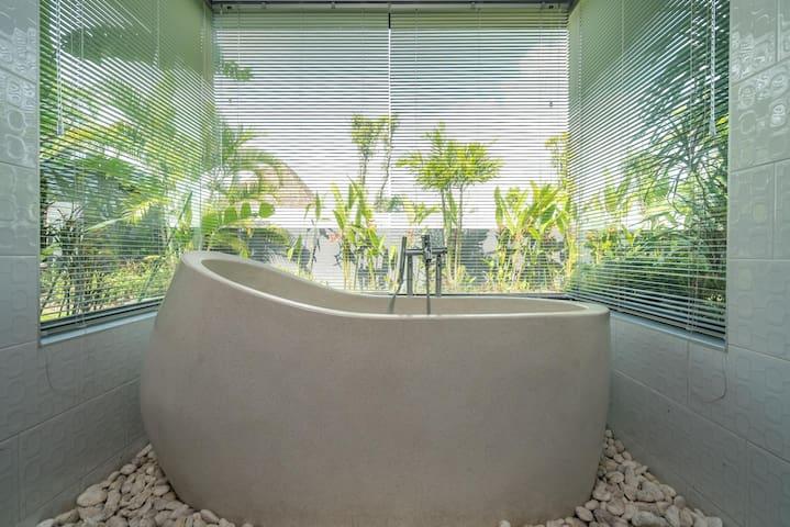 Diamond 273 - Modern 4 bedroom private pool in Bangtao
