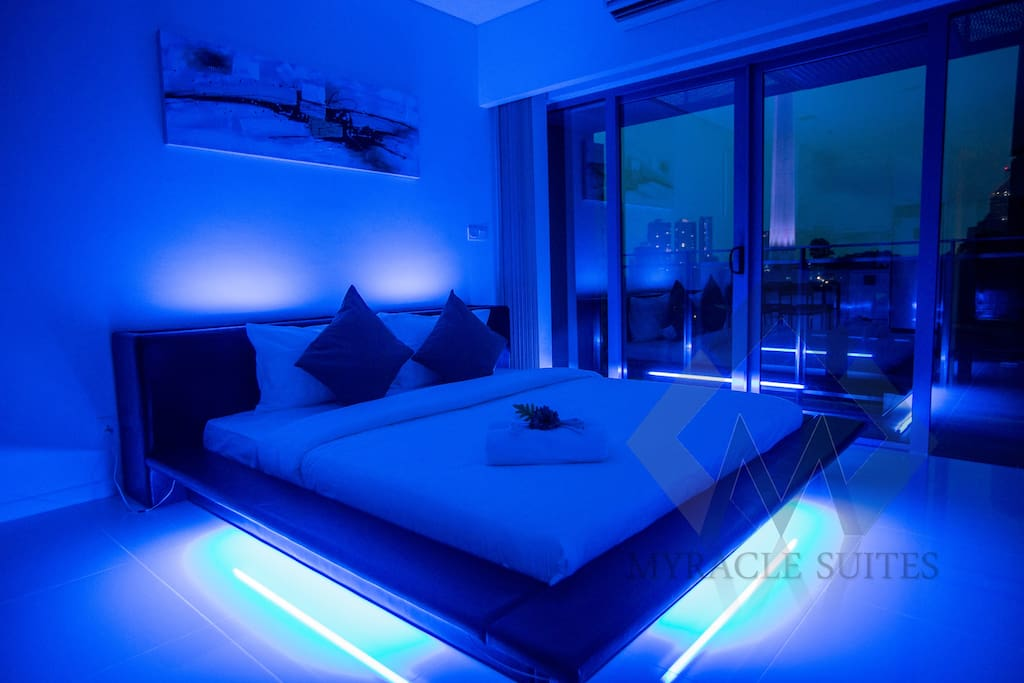 Spaceship Bed - King size bed
