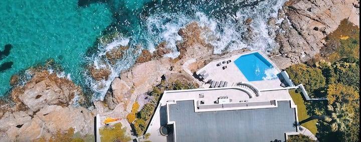 Unique ! Seafront Villa Cannes Accès mer privatif