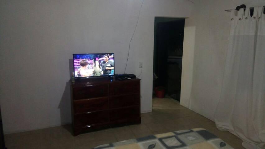 TV, cable, WIFI y cómoda