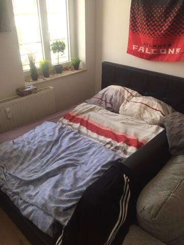 Der Schlafbereich im Hauptzimmer