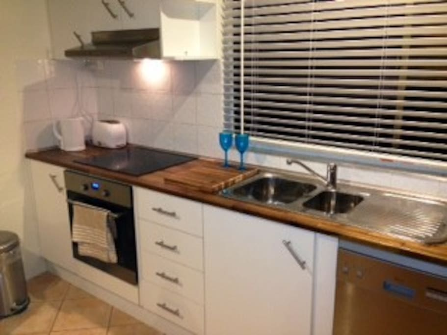 Fully equiped Kitchen-DW, MW, SS appliances