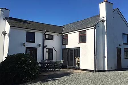 Tan Rallt, Rhoscolyn, Anglesey - Rhoscolyn