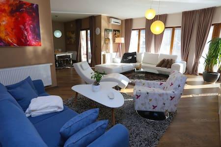 Farah superior apartments