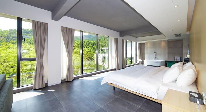 竹-山景大床套房