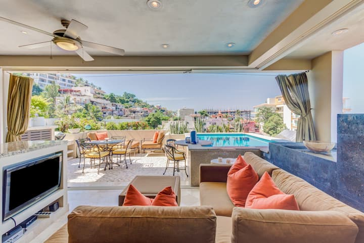 Casa Celeste - Hilltop Studio Penthouse! Private Pool! Amazing Views!