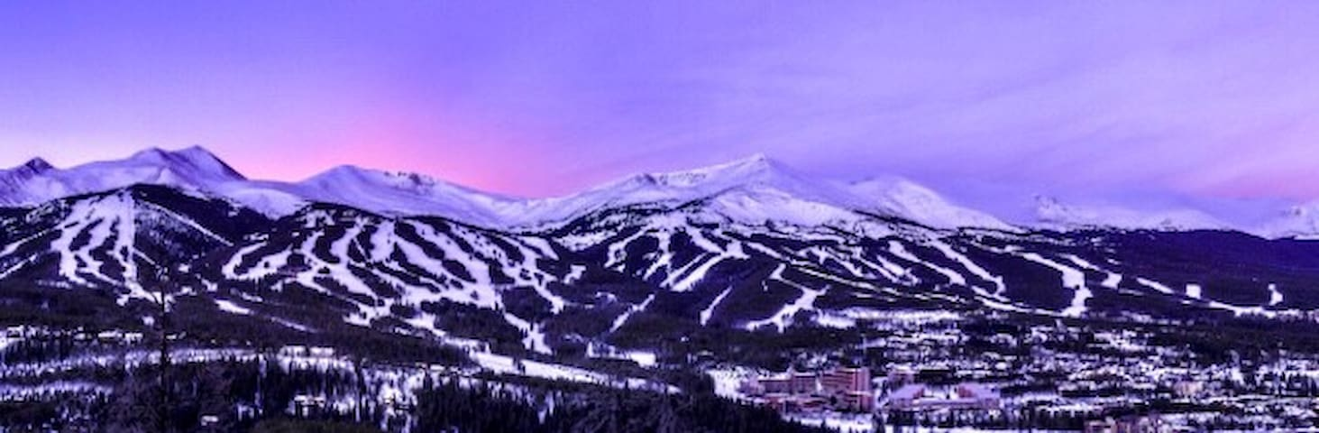 1 Bed 1 Bath Ski In-Ski Out Condo in Breck