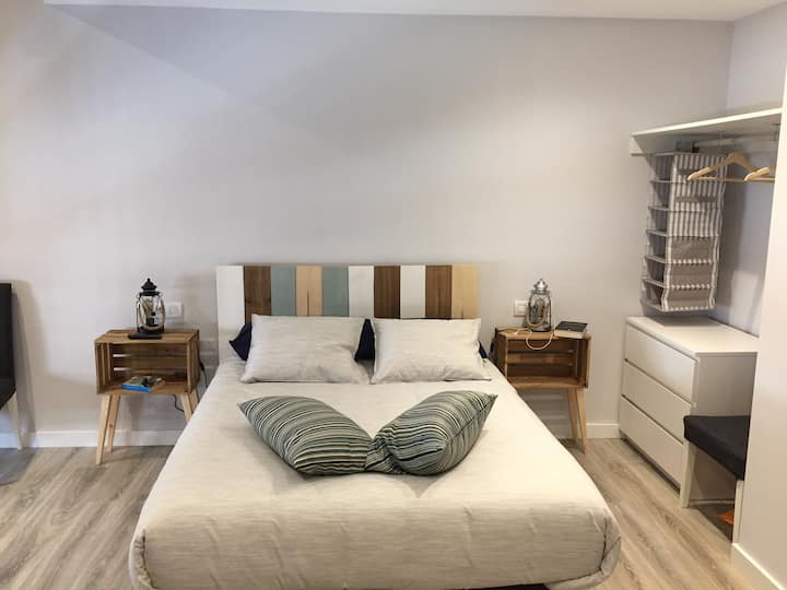 Studio refurbished in the city centre of León