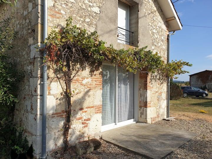 Loue jolie maisonnette de 70 m² avec jardin