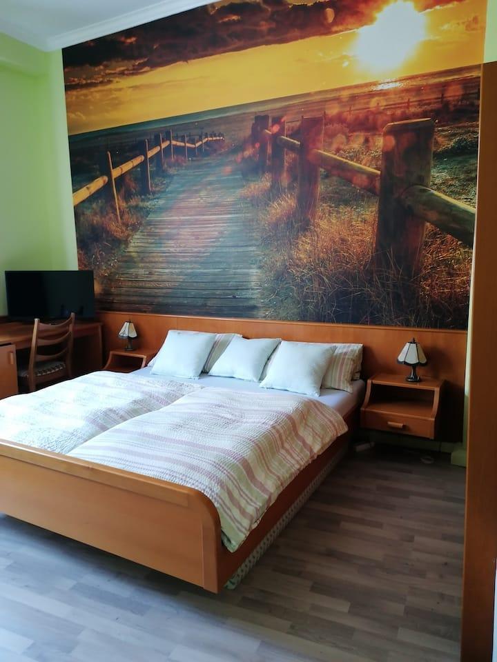 Hotelzimmer auf der Stadtmauer Burgblick #7