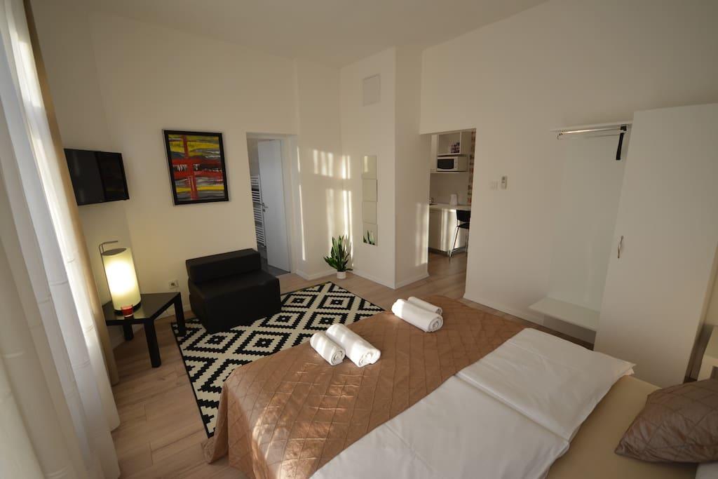 bedroom, garden view, kitchen, bathroom