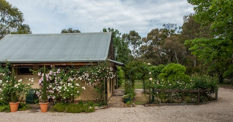 Mossbank Cottage Bed and Breakfast