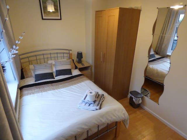 Room 1 - 50 Church Street South