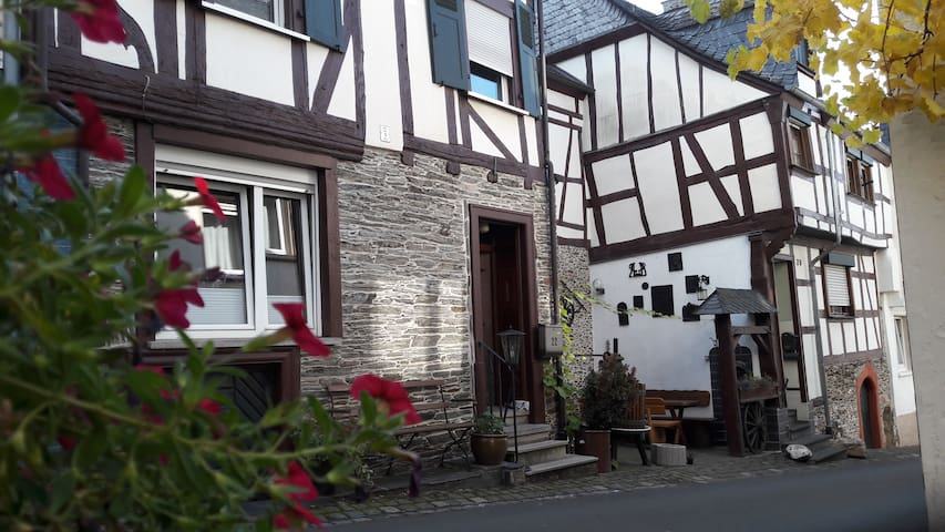 """Ferienhaus """"Gute Zeit"""" in Enkirch."""