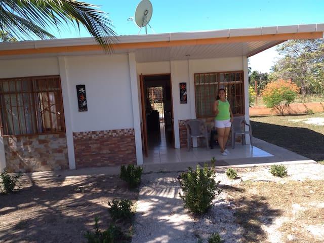 Casa de campo y playa, en Cabo Blanco- Puntarenas