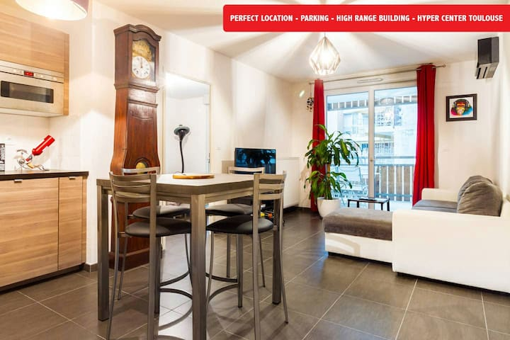 Modern flat with parking-Center Toulouse