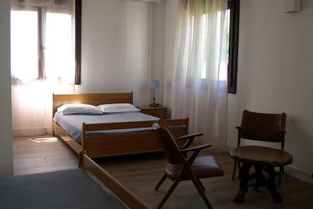 Chambre quadruple / 2 lits doubles - San-Nicolao - 公寓