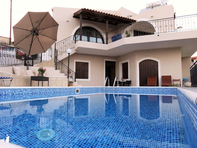 Elia Villas - Drias Family Nobby House & pool - Elea - วิลล่า
