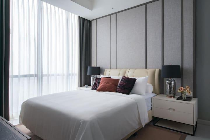 2BR Brand NEW Junior Penthouse@ Ciputra World
