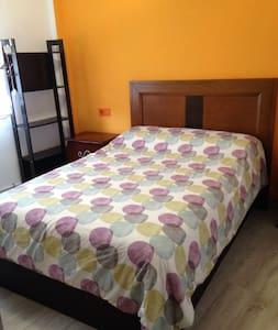 Habitación recién reformada muy céntrica en Oviedo