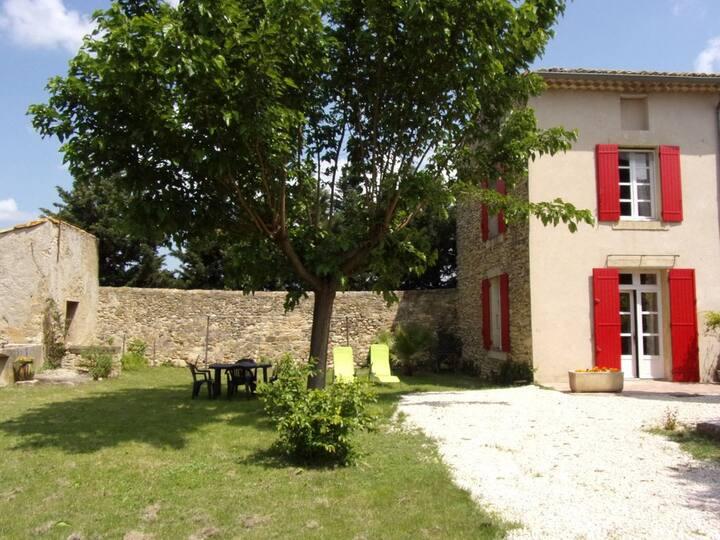 Le calme de la campagne entre Rhône et Ventoux