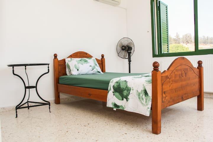 Urban detox - single room - Paphos - Villa