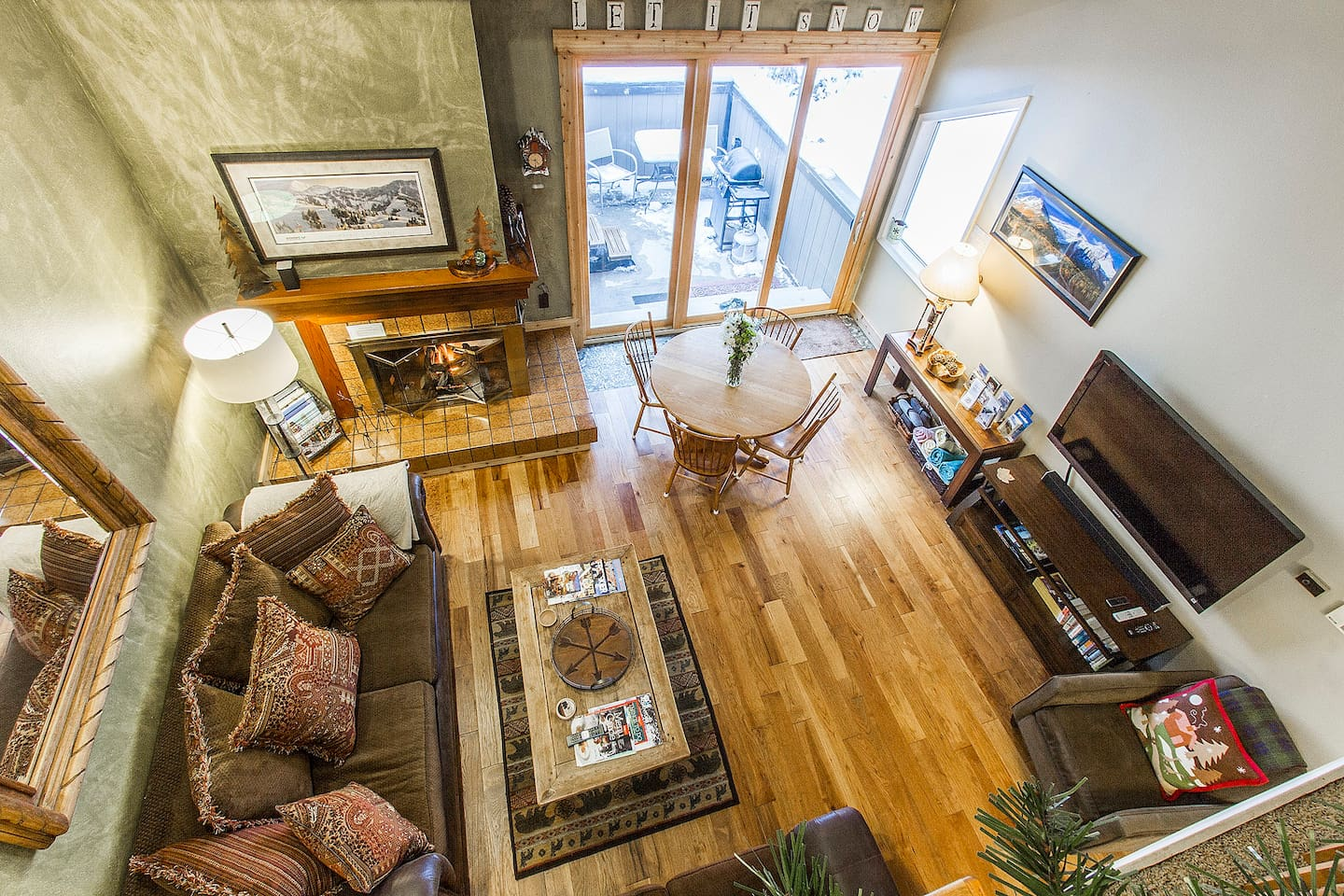 """Beautiful new hardwood! Cozy gas fireplace, 60"""" HDTV, DVD. Wonderful views of private mountainside out 9ft tall sliding door"""