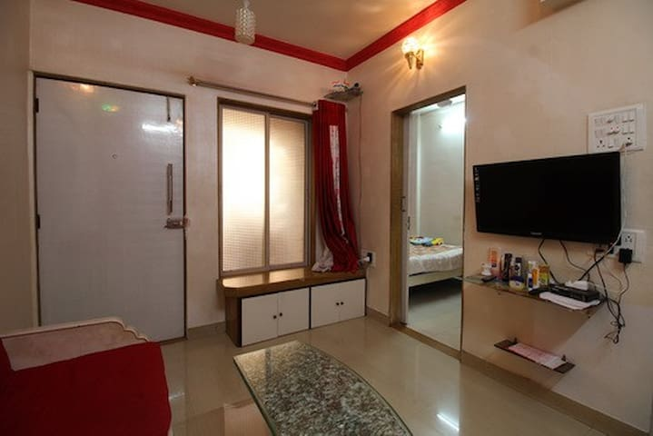 Affordable Stay in Malad West - 孟買 - 公寓