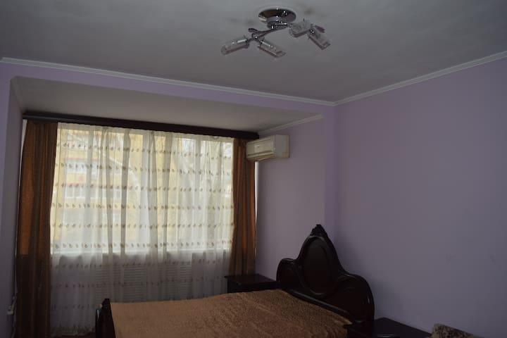 Трехкомнатная квартира в самом центре Сочи