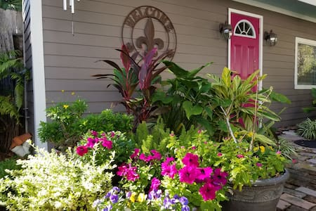 Marigny's  Magical Garden Guesthouse, in Triangle