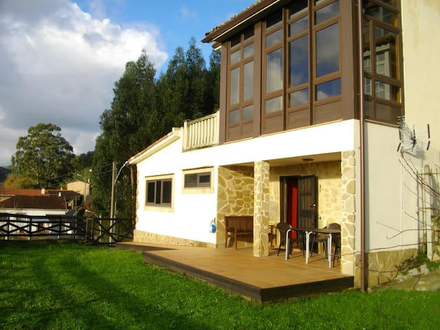 Stone house with panoramic views - Ferrol - Casa
