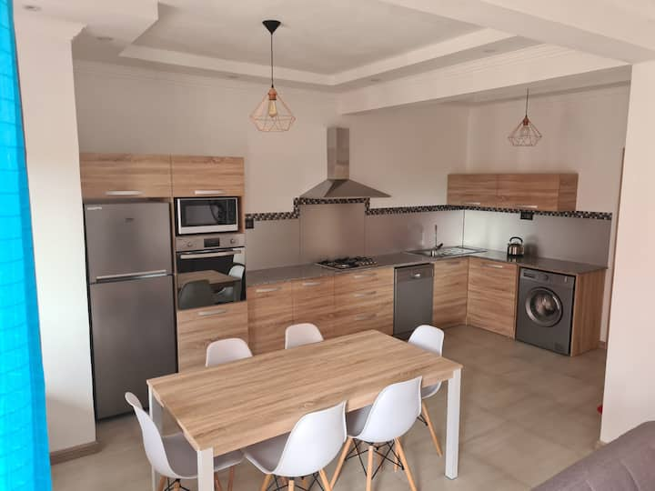 Nicely located cozy 2-bed apartment close to beach