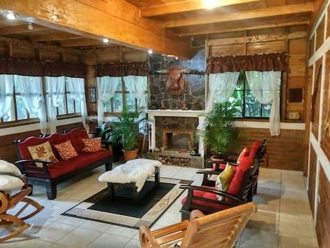 Hermosa cabaña situada en complejo privado