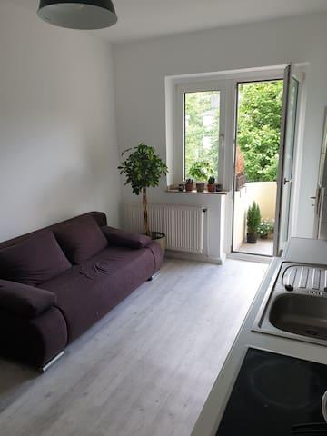 2 Zimmer Wohnung mit Balkon in zentraler Lage