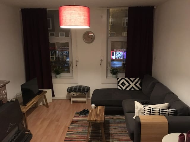 Spacious but cosy apartment near the 'Pijp' area! - Amsterdam - Flat
